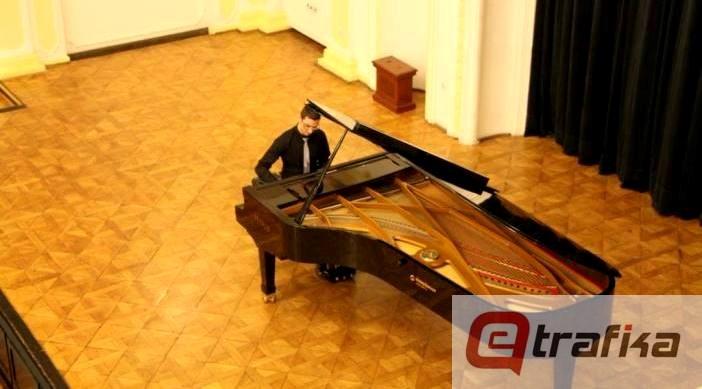 dejan jankovic klavir (1)