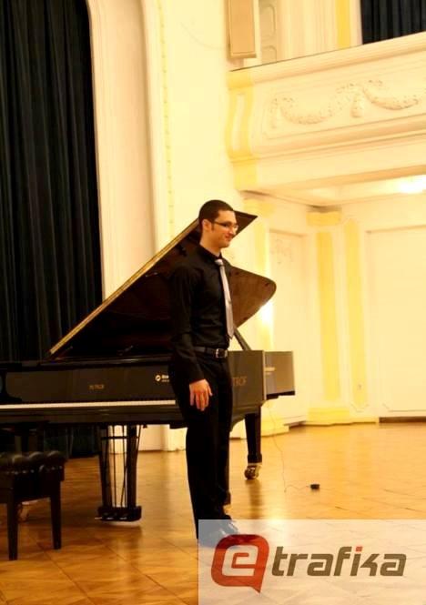 dejan jankovic klavir (2)