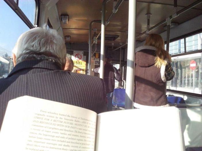 citanje u busu (5)