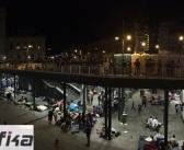 """(FOTO) """"eTrafika"""" u Budimpešti: Izbjeglice bez hrane i higijenskih proizvoda, žene se porađaju na stanici…"""