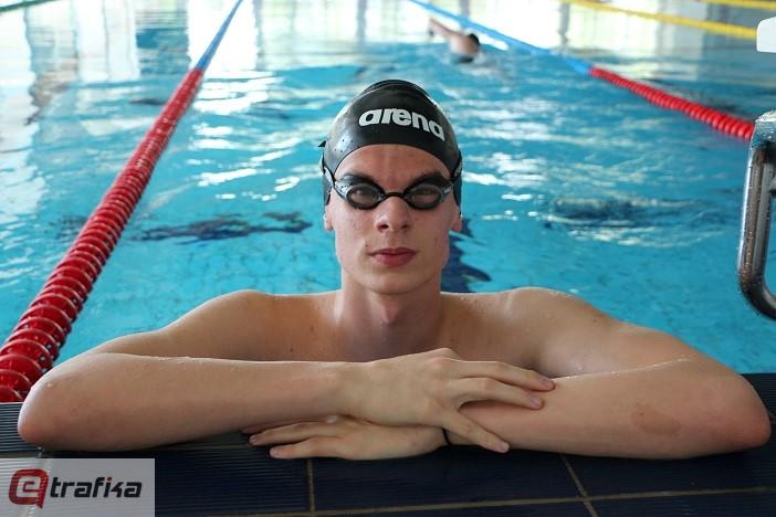 Mihajlo Čeprkalo plivanje (5)